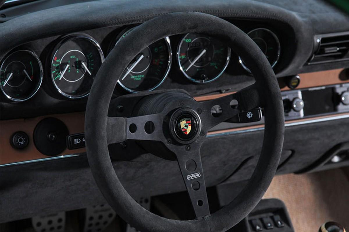Choang voi xe co Porsche 911 phuc che gia toi 54 ty dong-Hinh-8