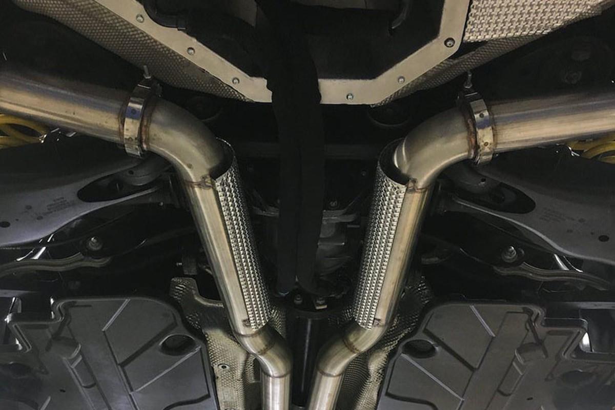 Xem Mercedes C63 AMG moi do thanh xe cu E190-Hinh-9