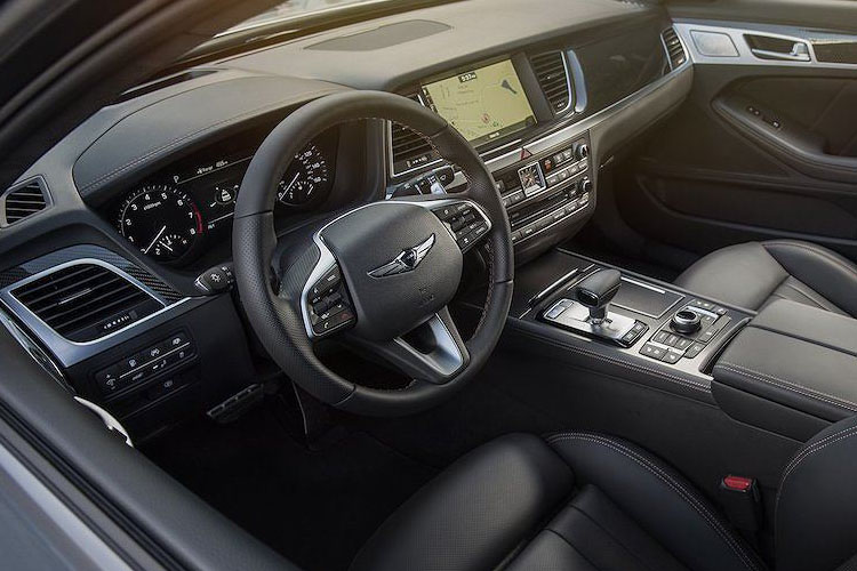 Genesis G80 2019 gia tu 982 trieu dau Mercedes E-Class-Hinh-5