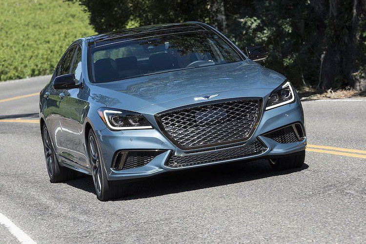 Genesis G80 2019 gia tu 982 trieu dau Mercedes E-Class
