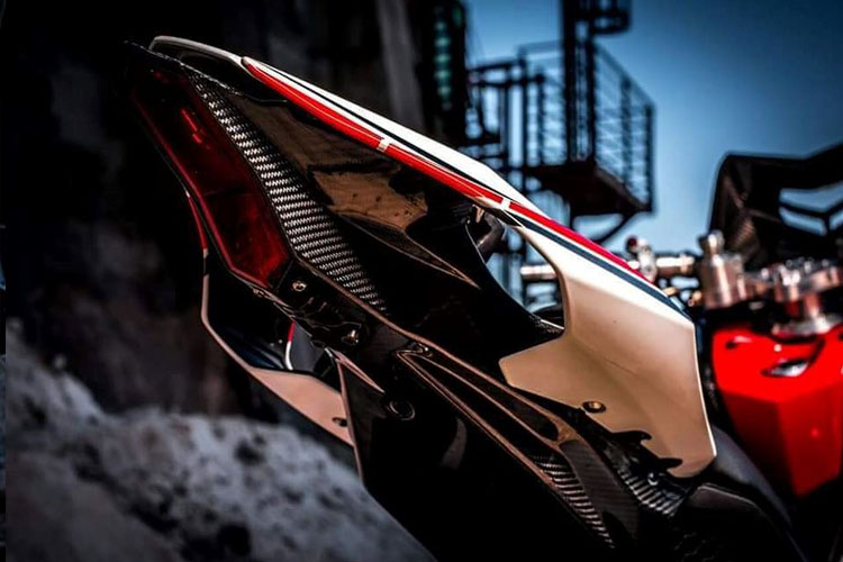 "Xe ga Yamaha TMAX ""nhai"" sieu moto YZF-R1 cuc doc-Hinh-9"