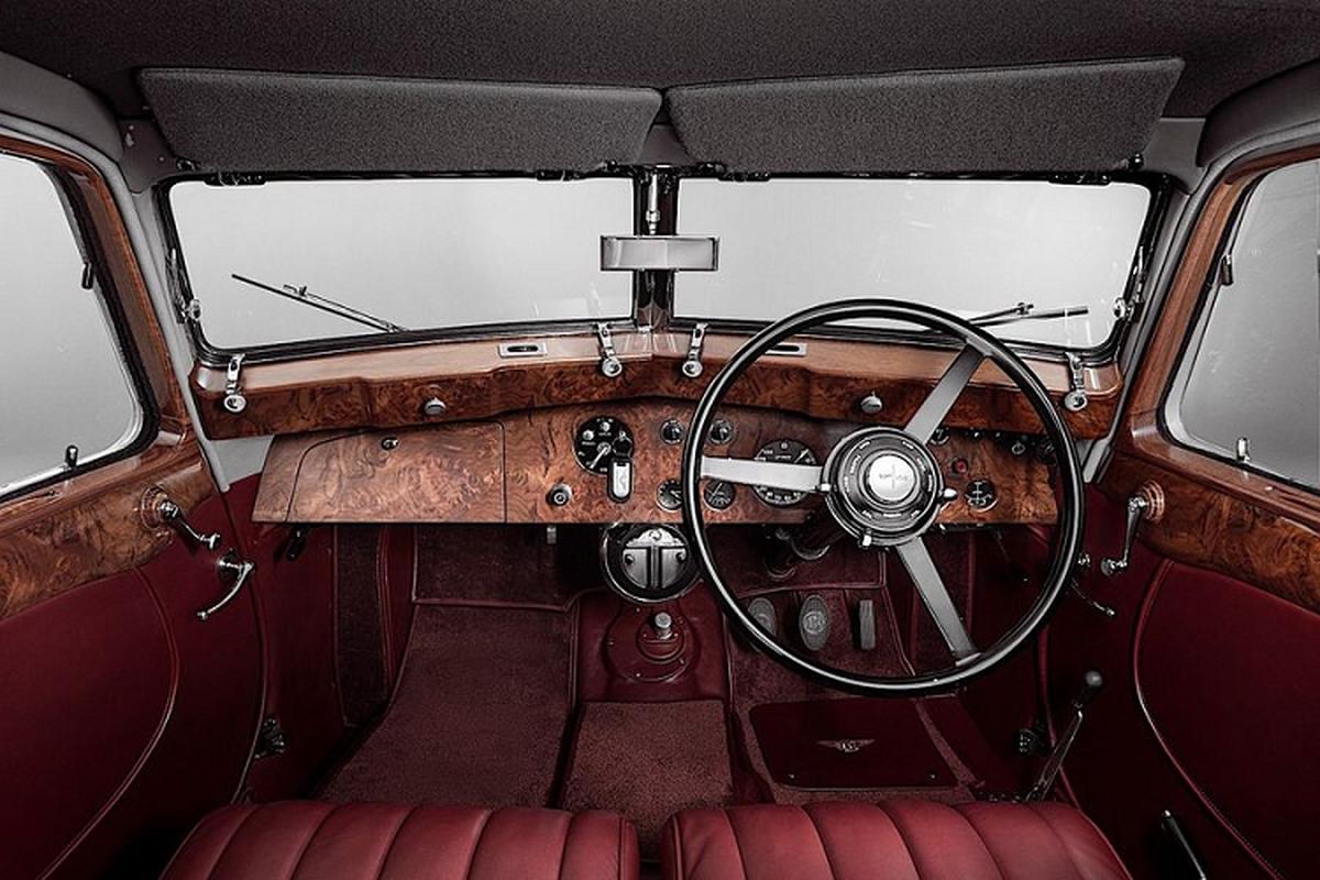 """Ong cu"" Bentley Corniche sinh 1939 bat ngo hoi sinh-Hinh-7"