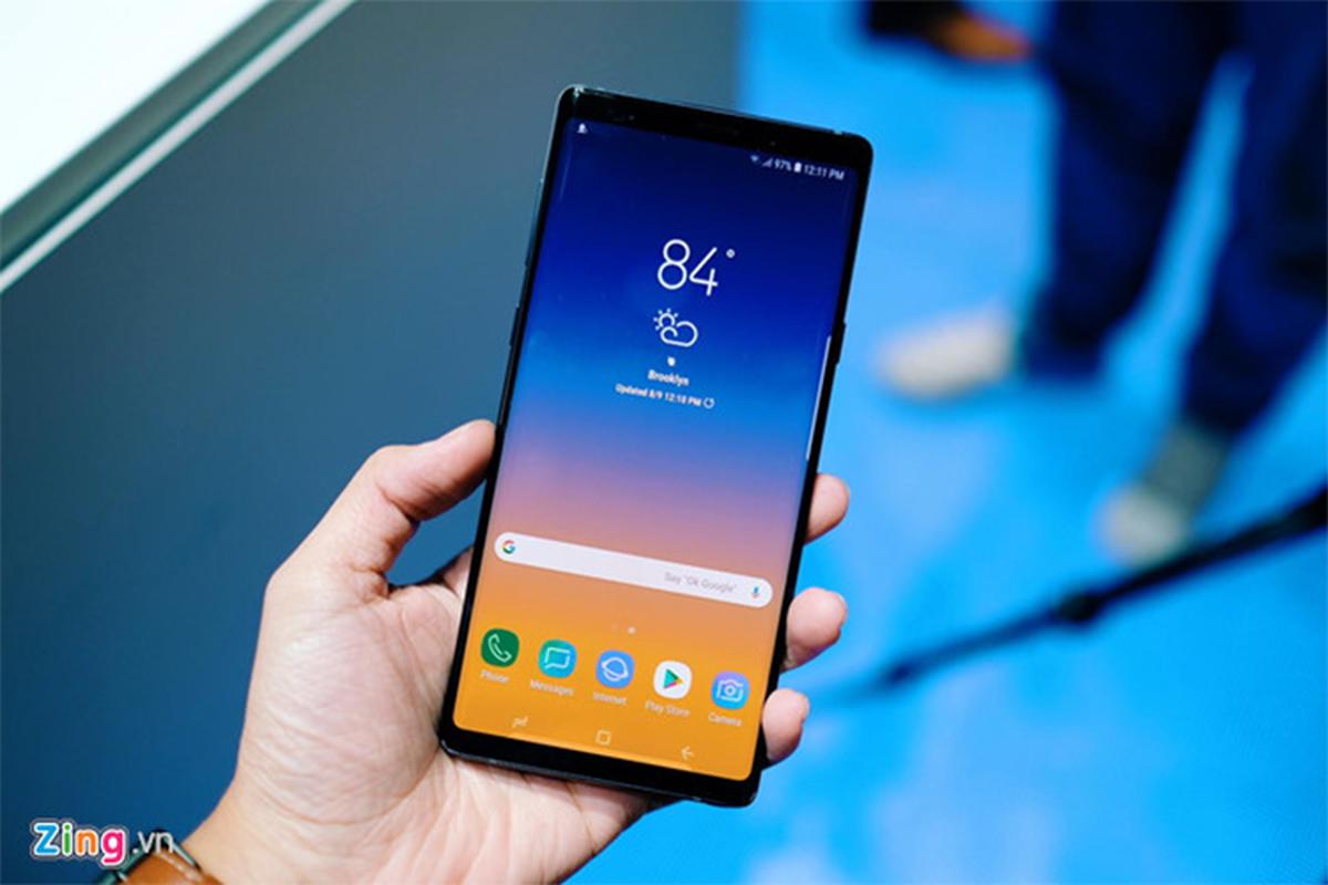 Loat smartphone giam gia manh dip 2/9-Hinh-2