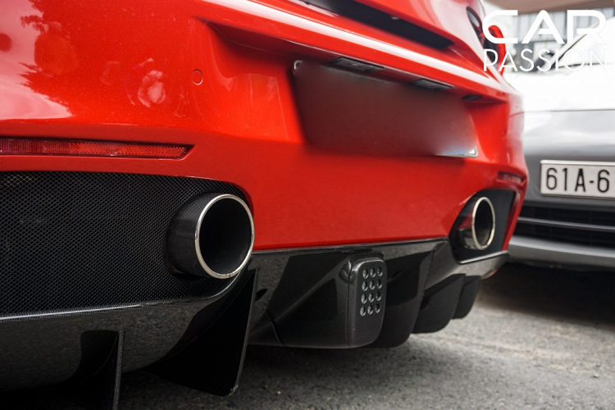 Chi tiet Ferrari 488 Spider tien ty cua Cuong Do la-Hinh-6