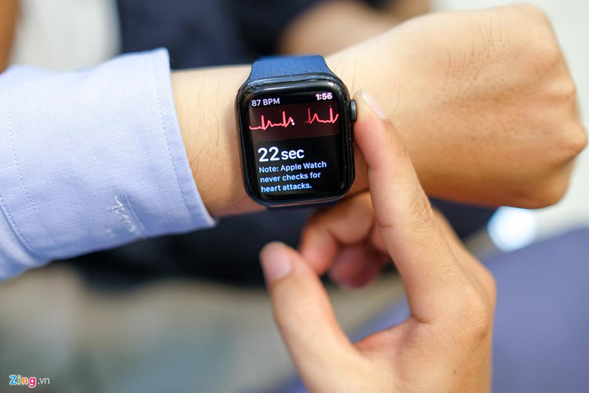 Trai nghiem Apple Watch Series 5 moi gia 12 trieu dong-Hinh-3