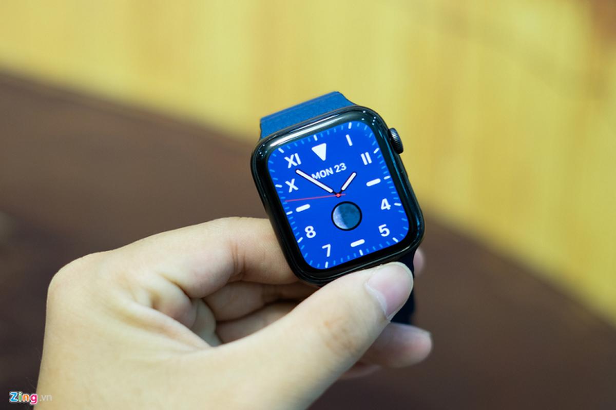 Trai nghiem Apple Watch Series 5 moi gia 12 trieu dong-Hinh-6