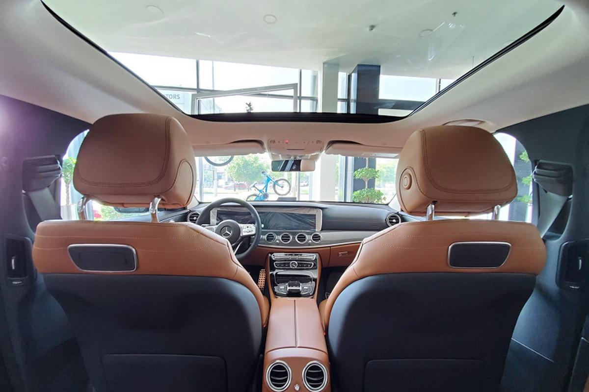 Can canh Mercedes-Benz E300 AMG hon 2,8 ty tai Viet Nam-Hinh-6