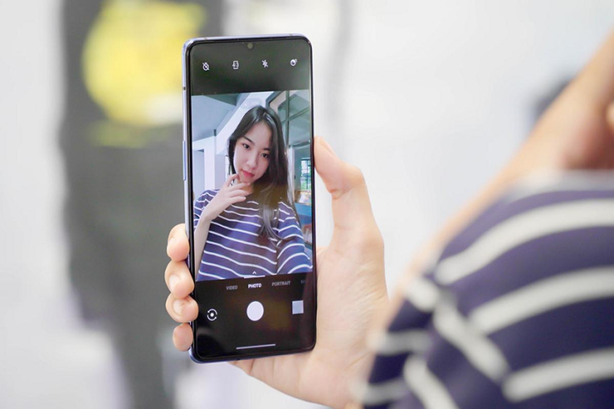 Doi thu iPhone 11 ve Viet Nam, gia 11,5 trieu dong-Hinh-5
