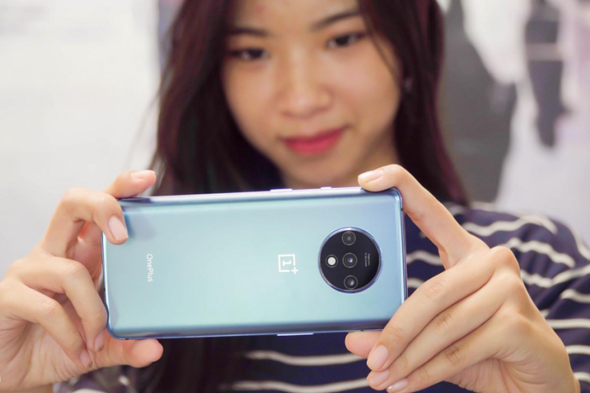 Doi thu iPhone 11 ve Viet Nam, gia 11,5 trieu dong-Hinh-8