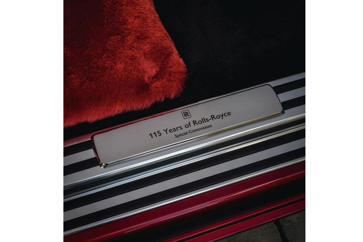 Xe sieu sang Rolls-Royce Phantom RED ngoai that rac bui pha le-Hinh-6