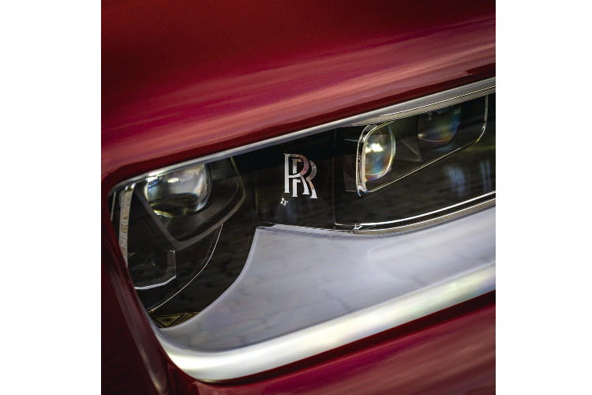 Xe sieu sang Rolls-Royce Phantom RED ngoai that rac bui pha le-Hinh-7