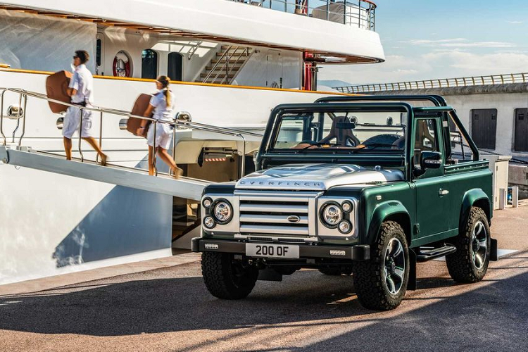 Can canh Land Rover Defender