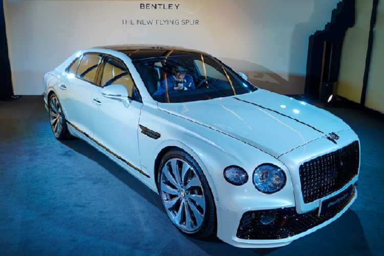 Sedan hang sang Bentley Flying Spur 2020 lan banh den Chau A-Hinh-3