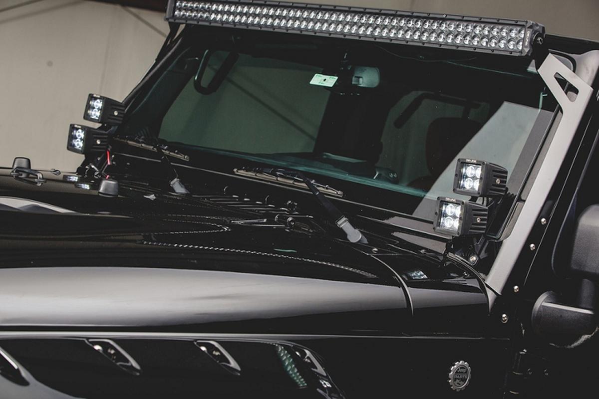 Jeep Wrangler hoa thanh chien binh trong vo boc off-road-Hinh-4
