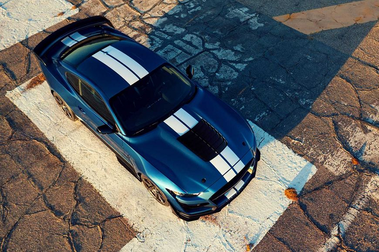 """Ford Mustang Shelby GT500 """"doi gia"""" len toi 3,94 ty dong-Hinh-5"""