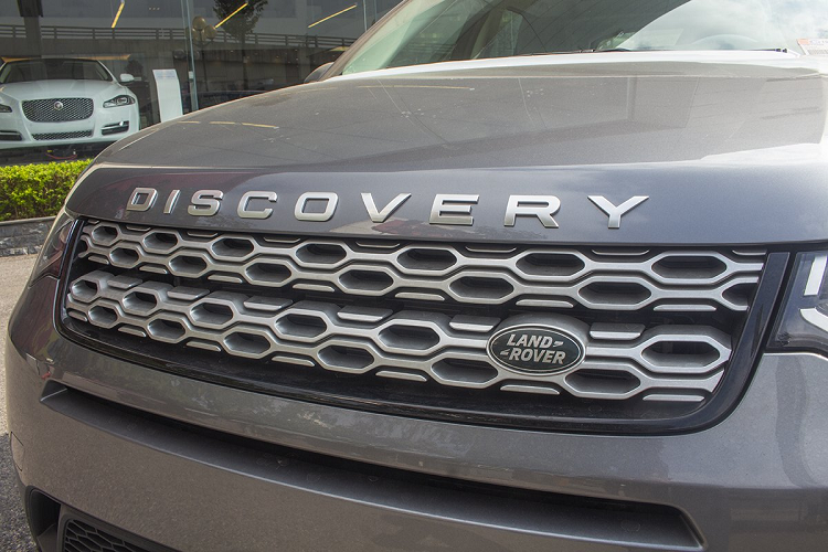 Xe Land Rover Discovery Sport S 2020 chinh hang 2,8 ty dong-Hinh-4