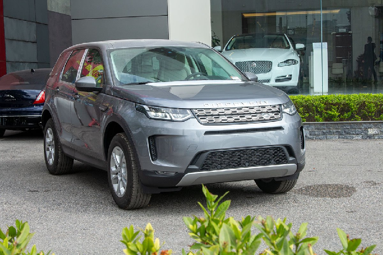 Xe Land Rover Discovery Sport S 2020 chinh hang 2,8 ty dong