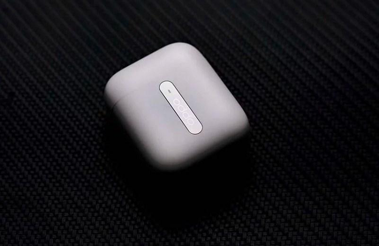 Tai nghe OPPO Enco Free thiet ke hop dung giong Apple AirPods