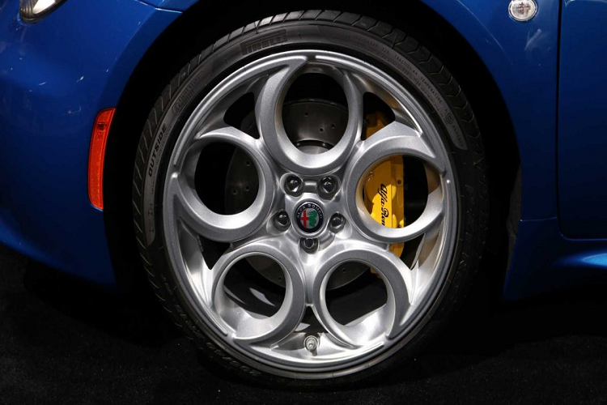 Alfa Romeo 4C Spider 2020 tai xuat voi phien ban dac biet-Hinh-3