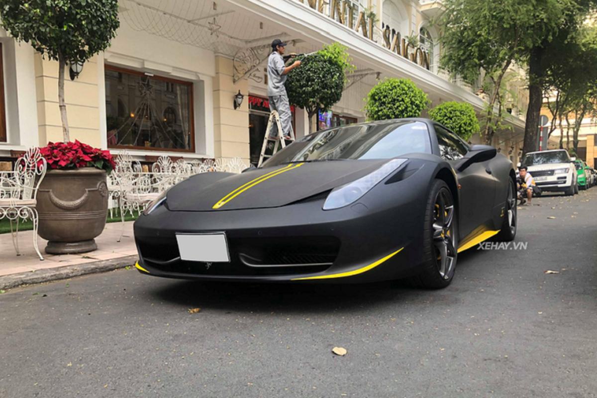 Cham mat sieu xe Ferrari 458 Spider hon 15 ty o Sai Gon