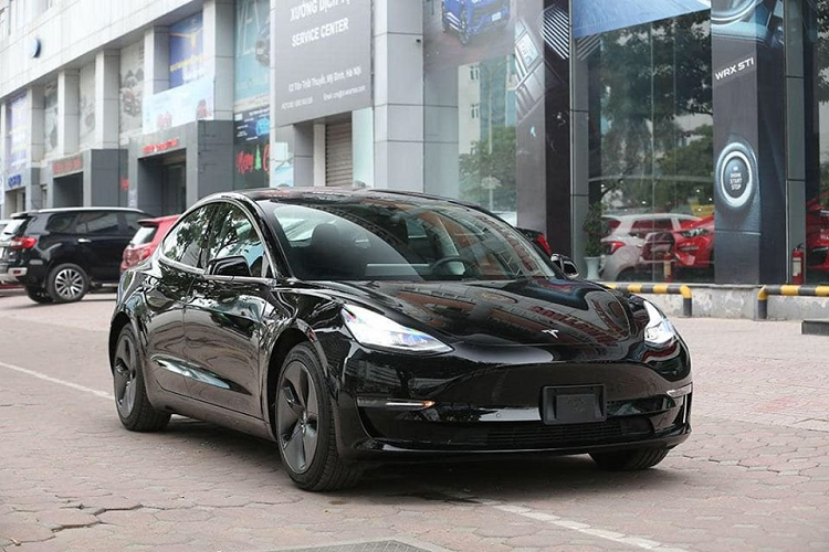 Can canh Tesla Model 3 hon 3 ty dong tai Viet Nam-Hinh-2