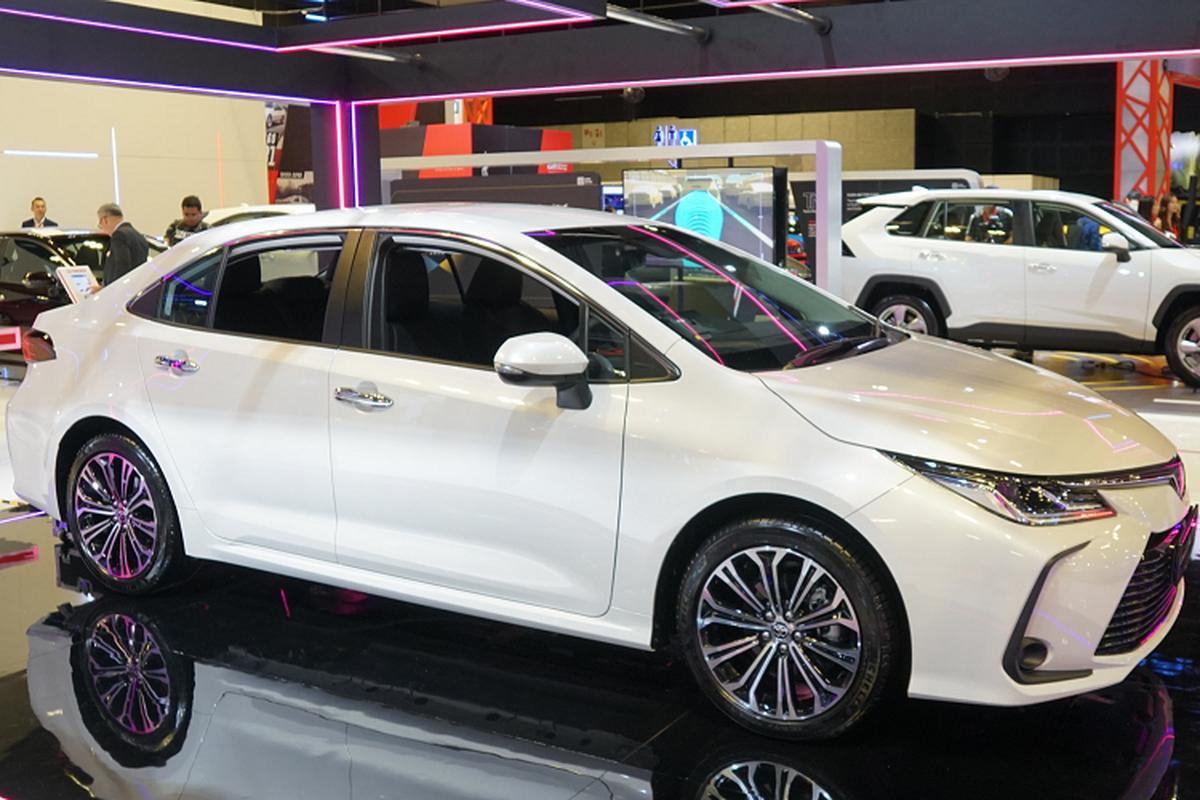 Toyota Corolla Altis gan 1,8 ty tai Singapore, gap doi Viet Nam-Hinh-2