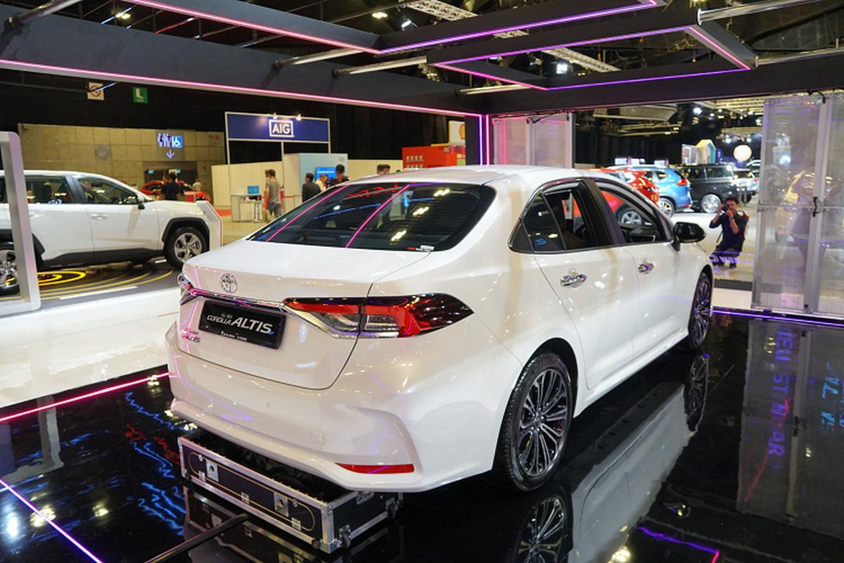 Toyota Corolla Altis gan 1,8 ty tai Singapore, gap doi Viet Nam-Hinh-3