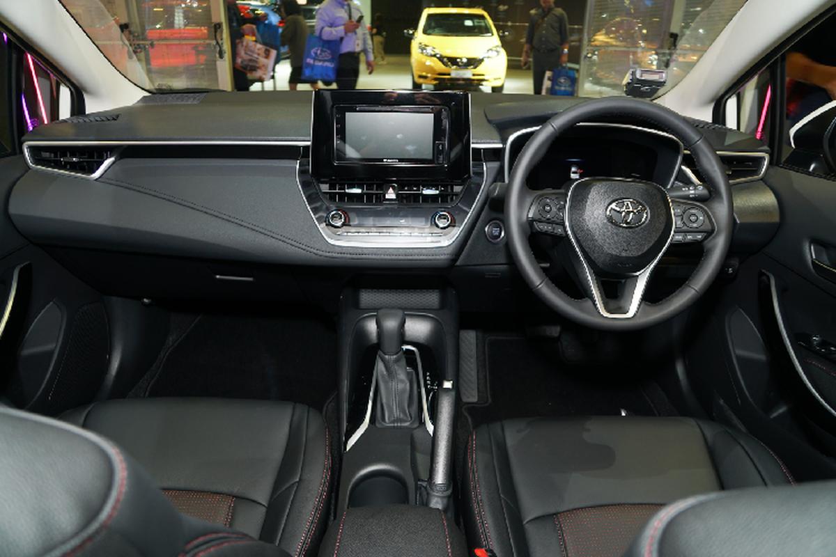 Toyota Corolla Altis gan 1,8 ty tai Singapore, gap doi Viet Nam-Hinh-7