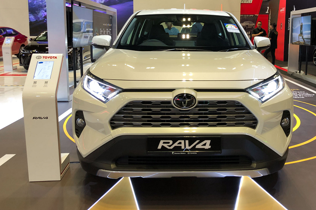 Toyota RAV4 toi 2,27 ty dong tai Singapore, sap ve VN?-Hinh-2