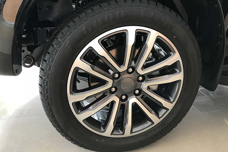 Can canh Ford Everest 2020 gan 1,2 ty dong tai Viet Nam-Hinh-5