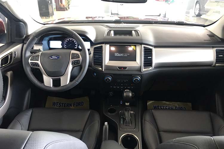 Can canh Ford Everest 2020 gan 1,2 ty dong tai Viet Nam-Hinh-6