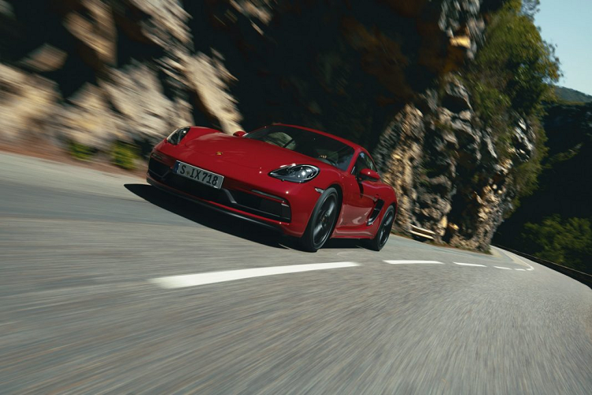 Sieu xe Porsche 718 GTS 4.0 moi tu hon 2 ty dong-Hinh-3