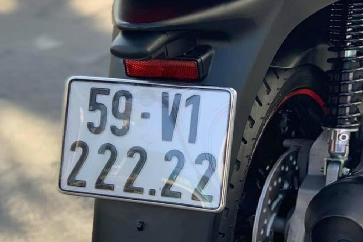 Xe ga Honda SH bien khung, thet gia tien ty tai Viet Nam-Hinh-4