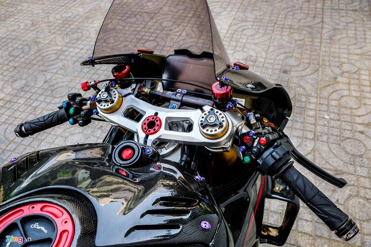 Ducati Panigale V4 voi goi do xe dua tien ty o Sai Gon-Hinh-6