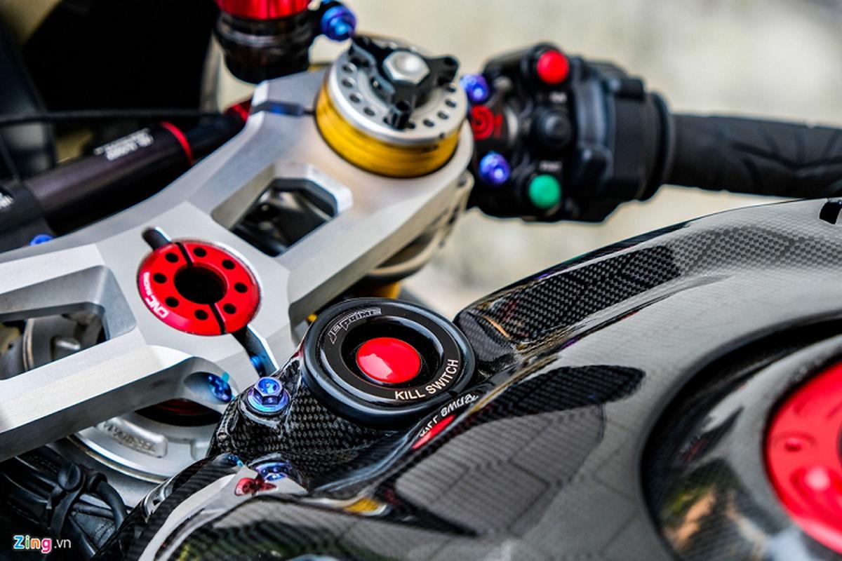 Ducati Panigale V4 voi goi do xe dua tien ty o Sai Gon-Hinh-8