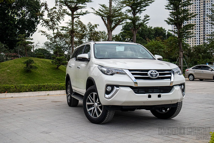Can canh Toyota Fortuner 2020 lap rap Viet Nam, hon 1 ty dong-Hinh-4