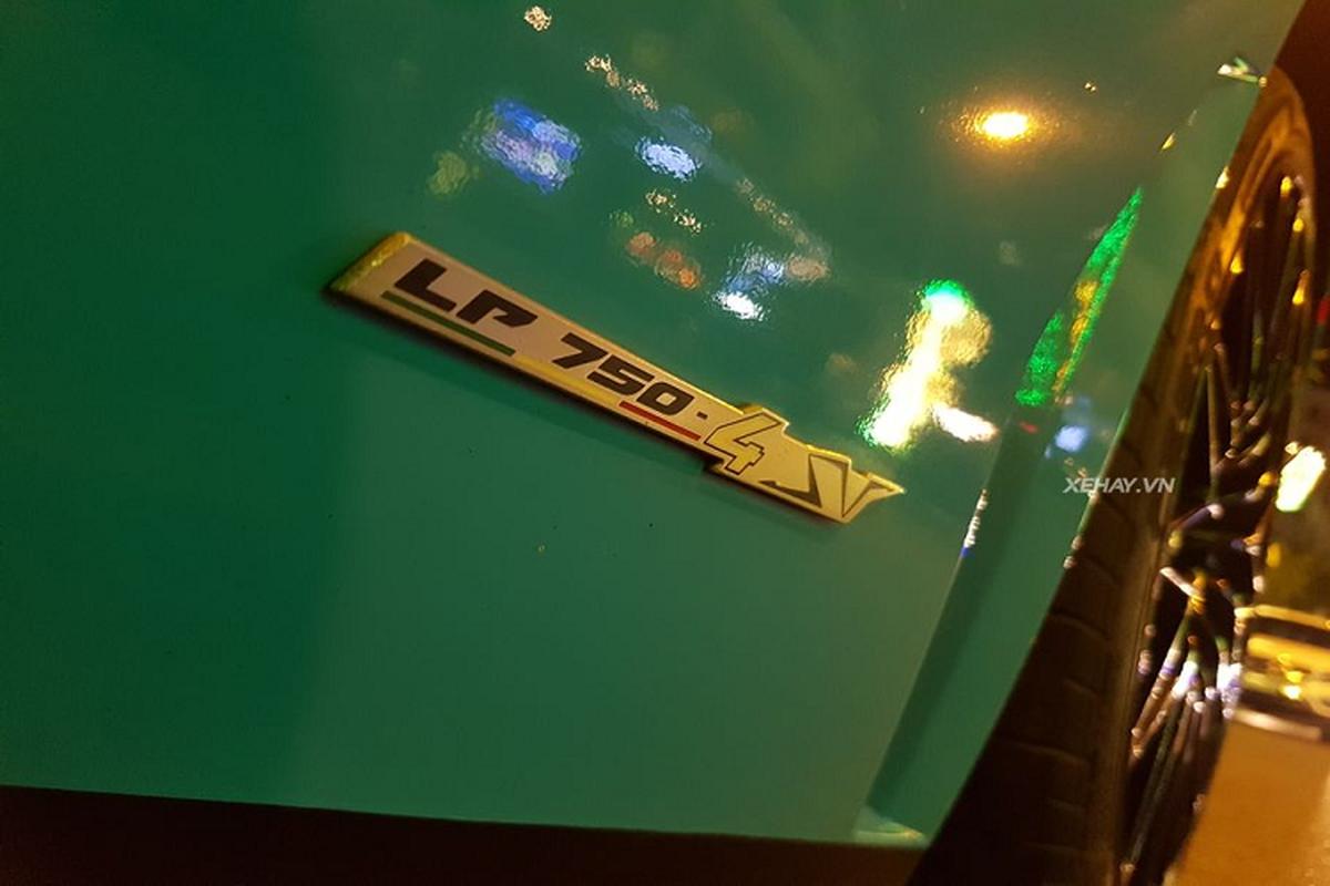 Cham mat Lamborghini Aventador SV hon 30 ty tai Viet Nam-Hinh-2
