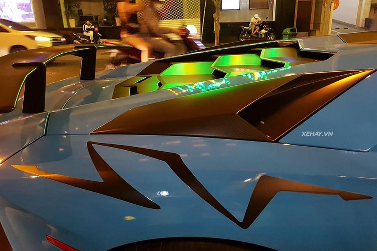 Cham mat Lamborghini Aventador SV hon 30 ty tai Viet Nam-Hinh-4