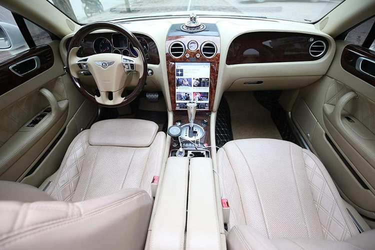 Can canh xe sang Bentley Flying Spur chi 3 ty dong o Ha Noi-Hinh-2
