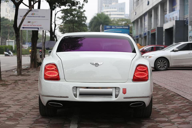 Can canh xe sang Bentley Flying Spur chi 3 ty dong o Ha Noi-Hinh-4