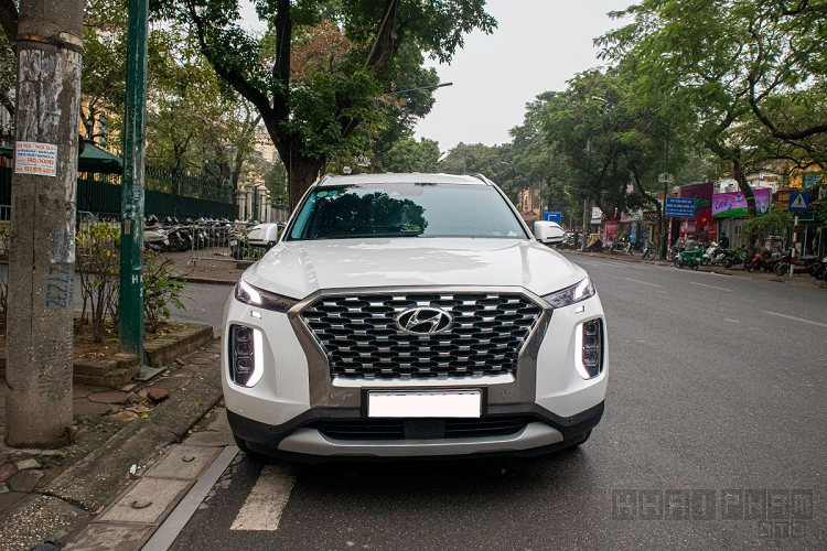 Xe Hyundai Palisade tien ty lan banh tren pho Ha Noi-Hinh-3