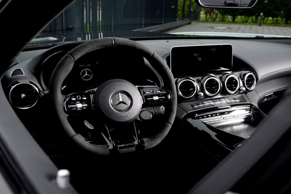 Mercedes-AMG GT R Roadster manh me va