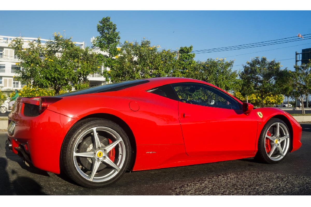 Sieu xe Ferrari 458 Italia tien ty tren pho Sai Gon-Hinh-4