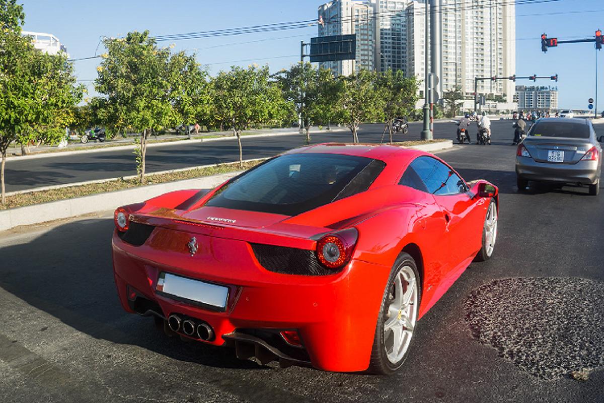 Sieu xe Ferrari 458 Italia tien ty tren pho Sai Gon-Hinh-5