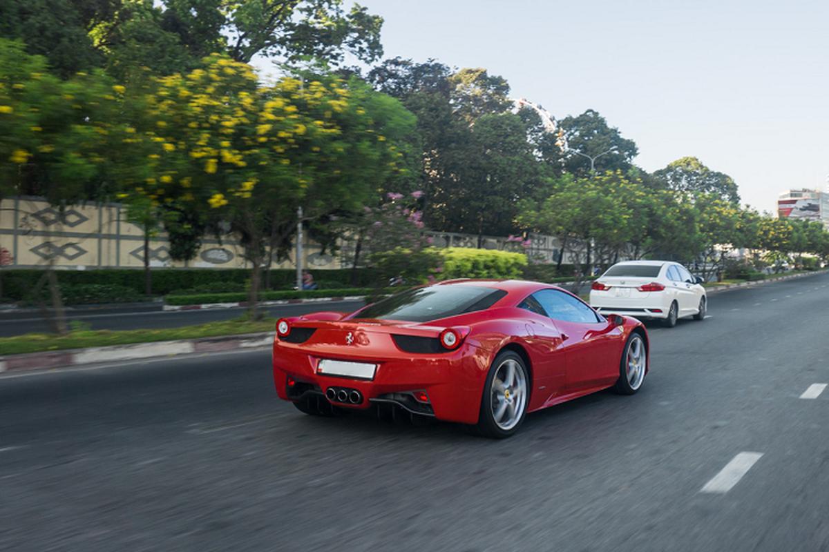 Sieu xe Ferrari 458 Italia tien ty tren pho Sai Gon-Hinh-6