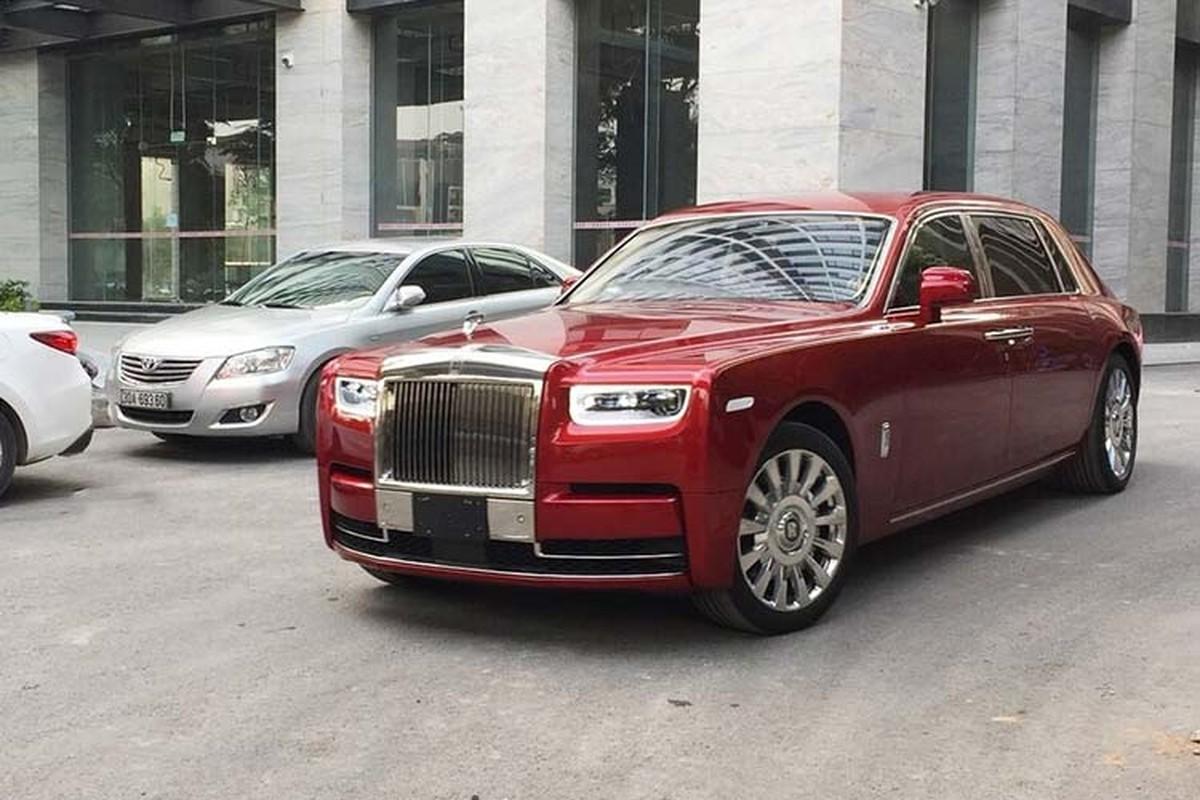 Xe sang Rolls-Royce Phantom VIII va Cullinan hon 100 ty o Ha Noi-Hinh-3