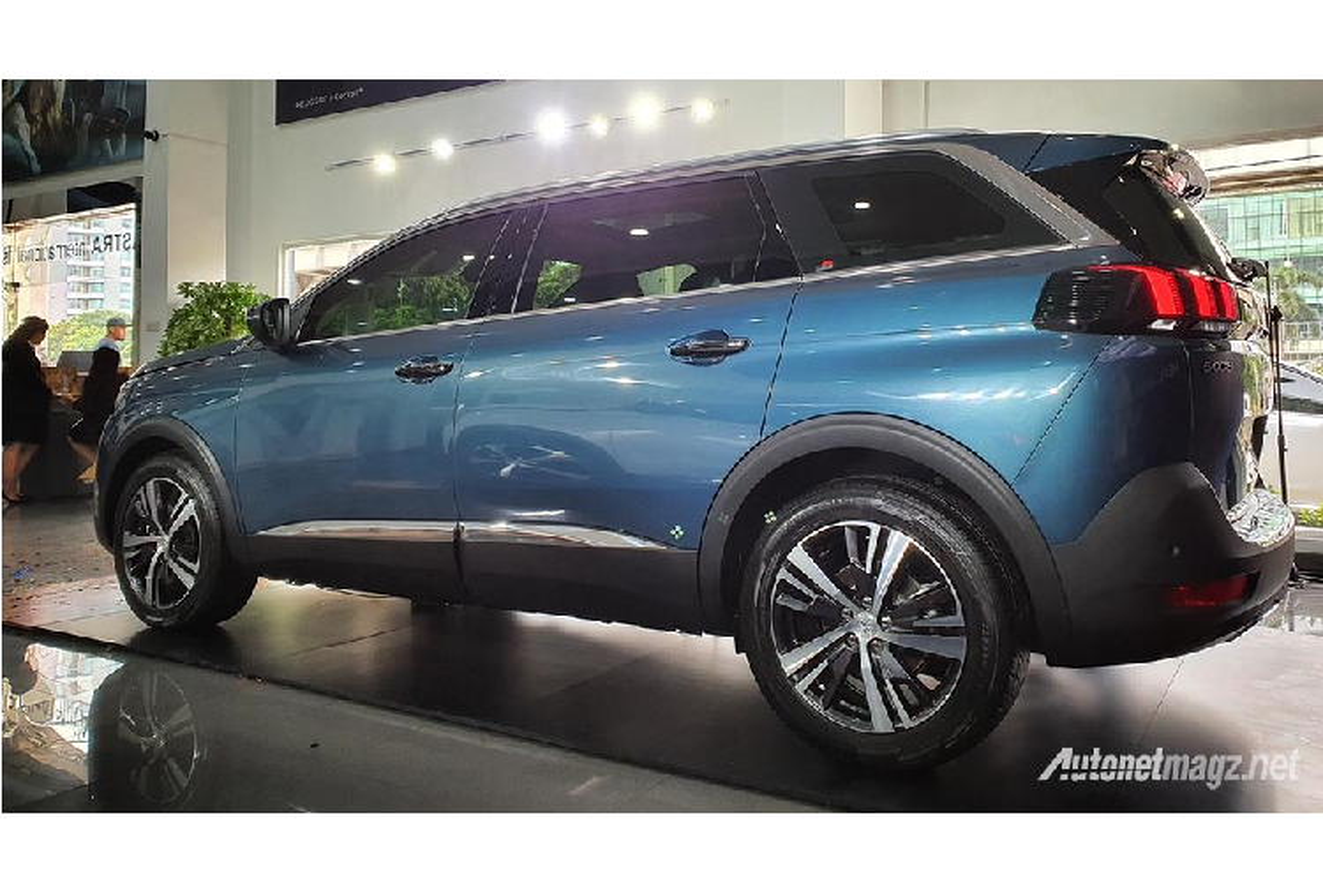 Peugeot 5008 va 3008 2020 phien ban gia re lo dien-Hinh-2