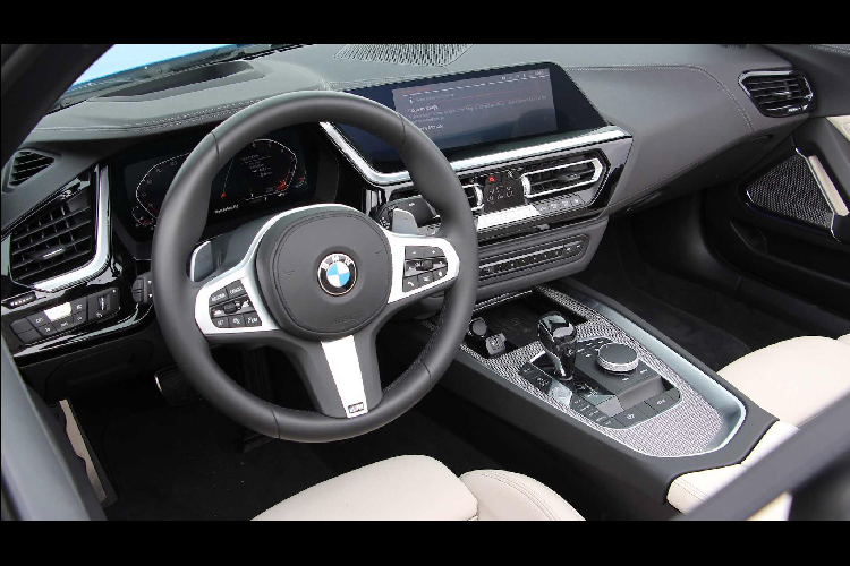 BMW Z4 ban sDrive30i M-Sport khong duoi 3 ty tai Viet Nam-Hinh-6