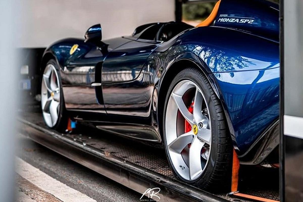 Dai gia Hong Kong tau sieu xe Ferrari Monza giua tam bao corona-Hinh-5