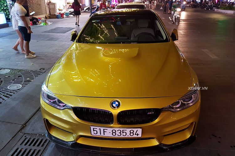 BMW M4 Coupe tien ty